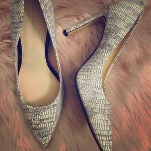 Banana Republic Shoes - Women heels